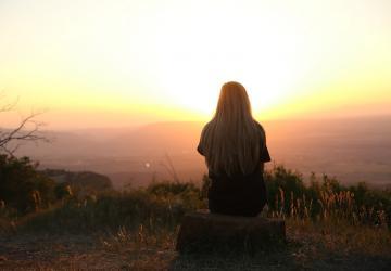 Nas brechas e frestas, encontramos o nosso Deus, viajante dos céus e dos corações...
