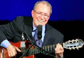 João Gilberto e o violão balbuciante